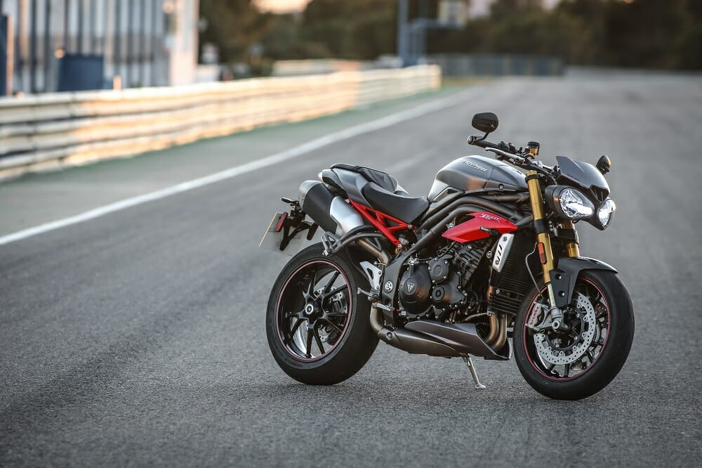 2016 triumph speed triple r: first ride - cycle news