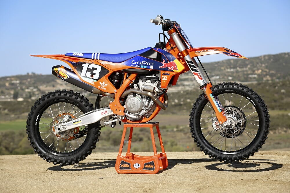 first ride 2016 ktm 250 sx f factory edition cycle news. Black Bedroom Furniture Sets. Home Design Ideas