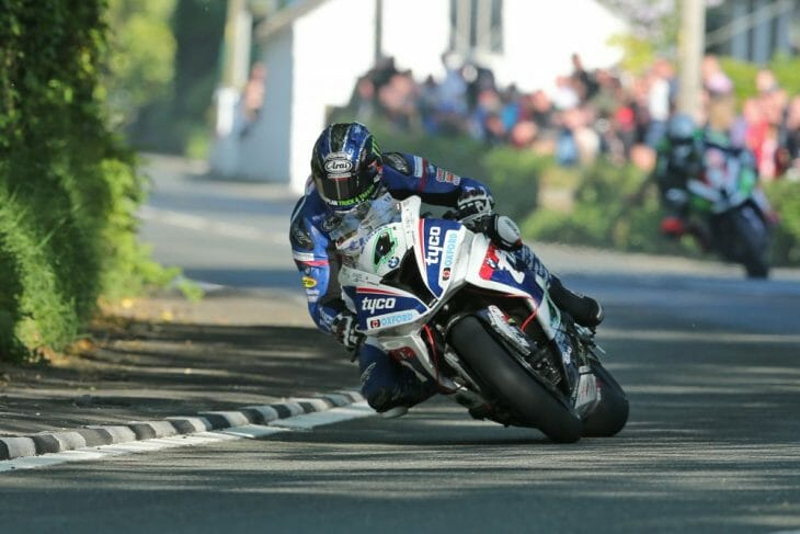 Isle of Man TT: Hutchinson On The Pace In SBK