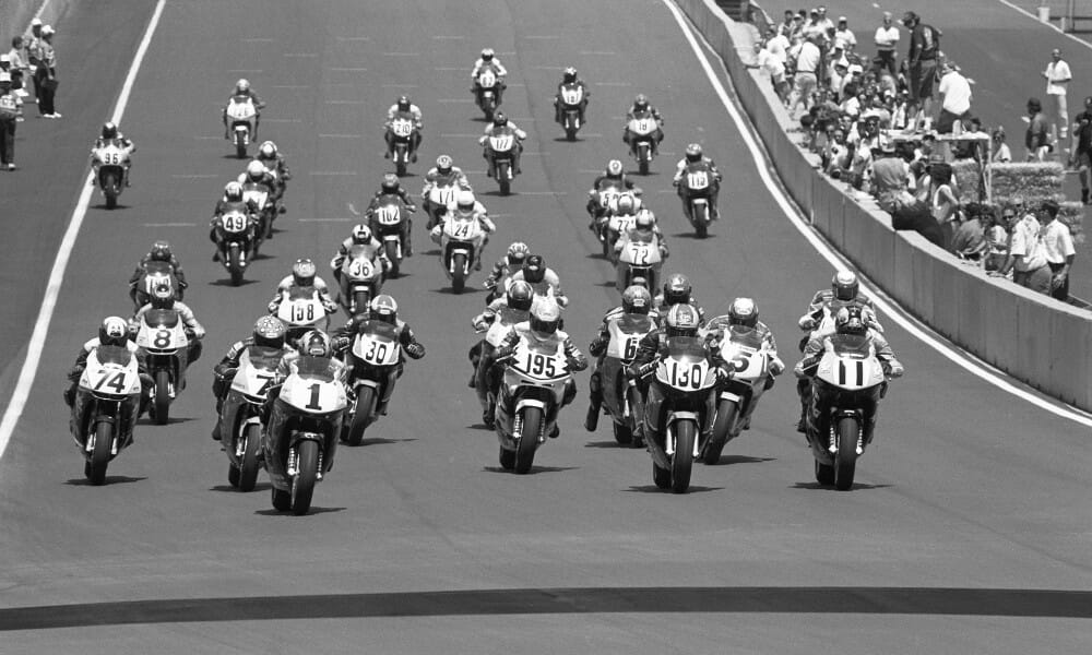 Start of Pro Honda Oils 600 Supersport race at Laguna Seca on July 20, 1996