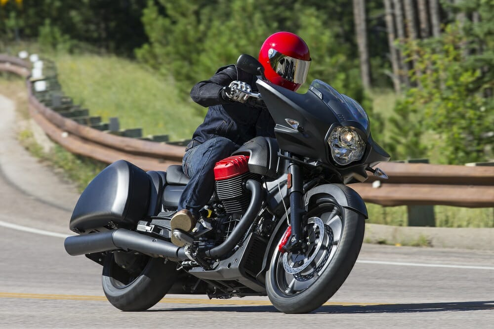 2017 moto guzzi mgx 21 flying fortress first ride cycle. Black Bedroom Furniture Sets. Home Design Ideas
