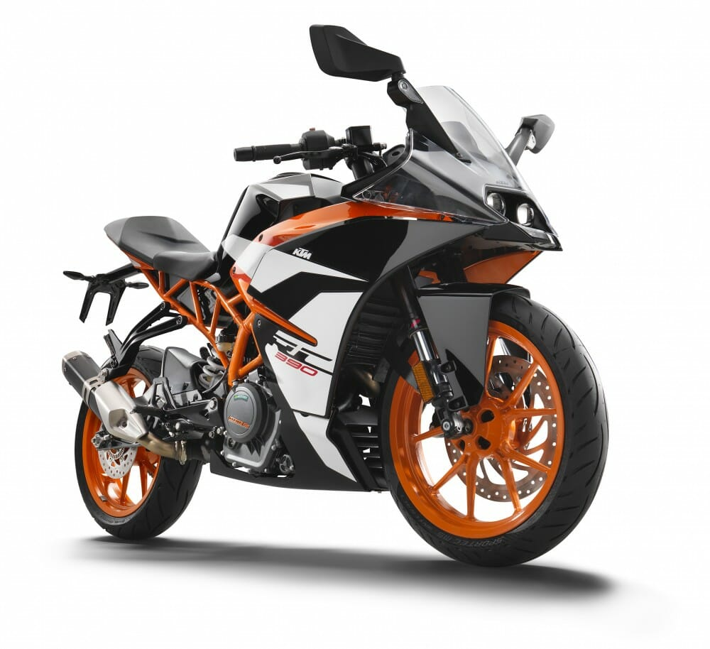 2017 ktm rc 390 first look gallery cycle news. Black Bedroom Furniture Sets. Home Design Ideas