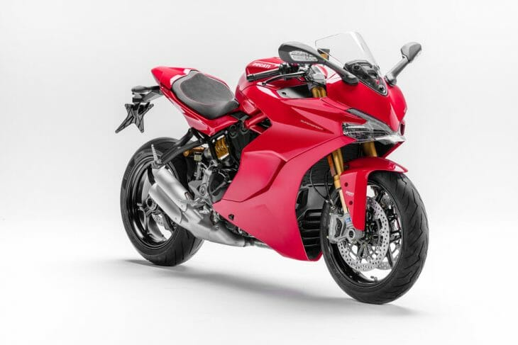 Il mio amore! Svelte, sharp and pretty in red. The new Ducati SuperSport is a breath of fresh air.