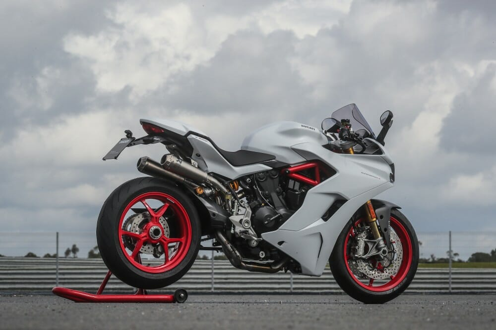 2017 ducati supersport and supersport s first test - cycle news