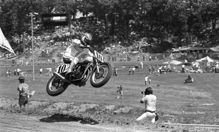 Doug Chandler shows perfect form as he jumps over the jump at the Peoria TT sometime in the late 1980s. (Mitch Friedman photo)