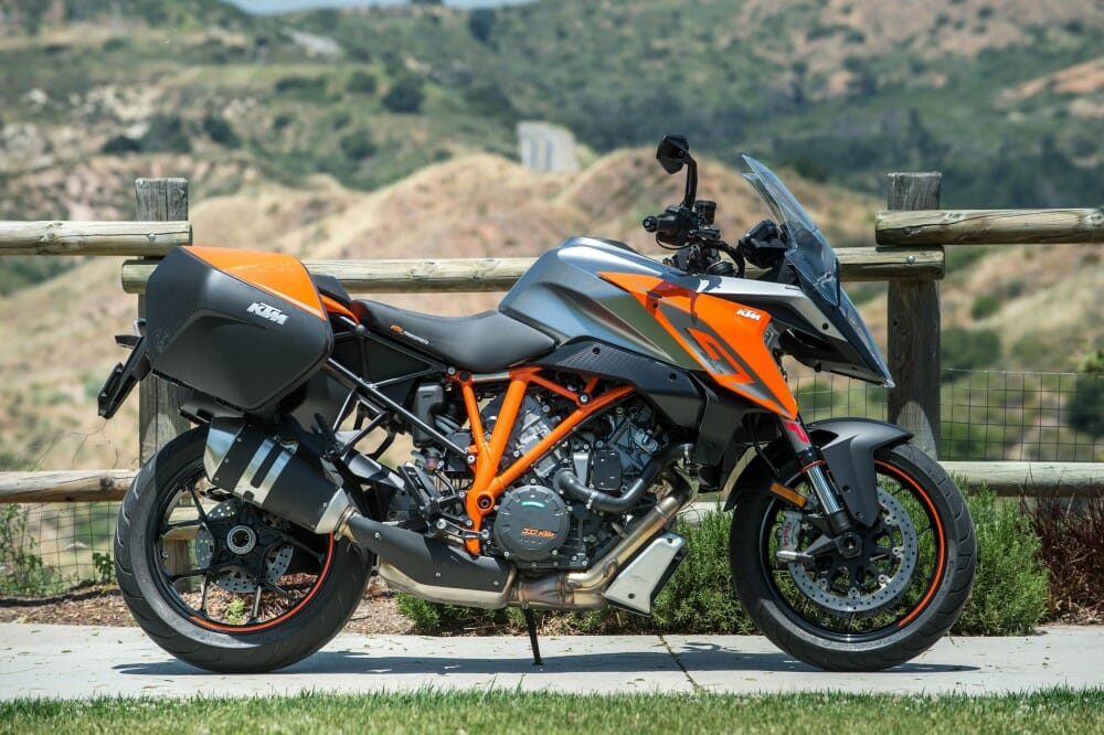 2017 ktm 1290 super duke gt road test road king cycle news. Black Bedroom Furniture Sets. Home Design Ideas