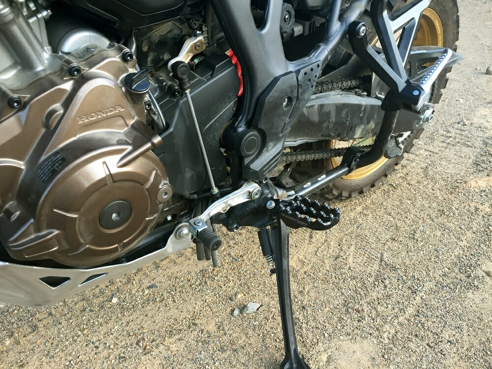 pro moto billet evo air footpegs for the honda africa twin product review cycle news. Black Bedroom Furniture Sets. Home Design Ideas