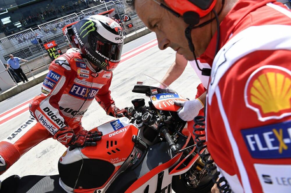 Shell Advance Ducati 10W-50 Motorcycle Oil