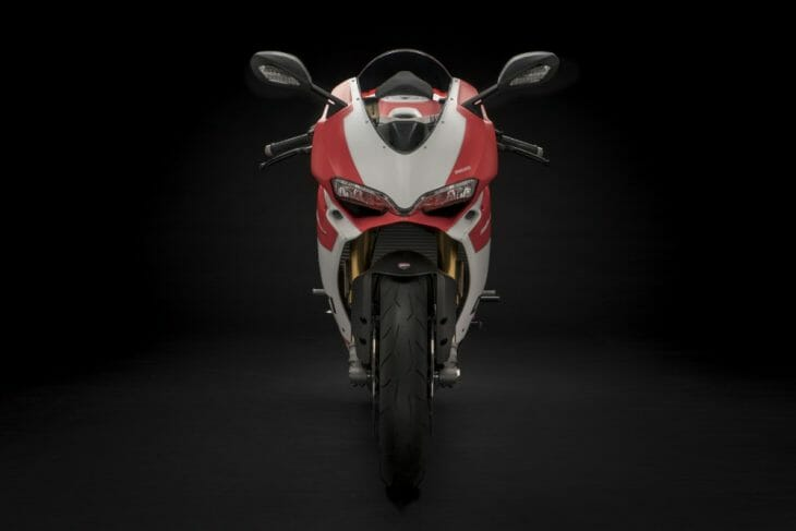 Ducati_959_Panigale_Studio_16
