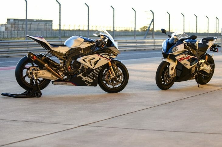 BMW HP4 Race vs. BMW S 1000 RR