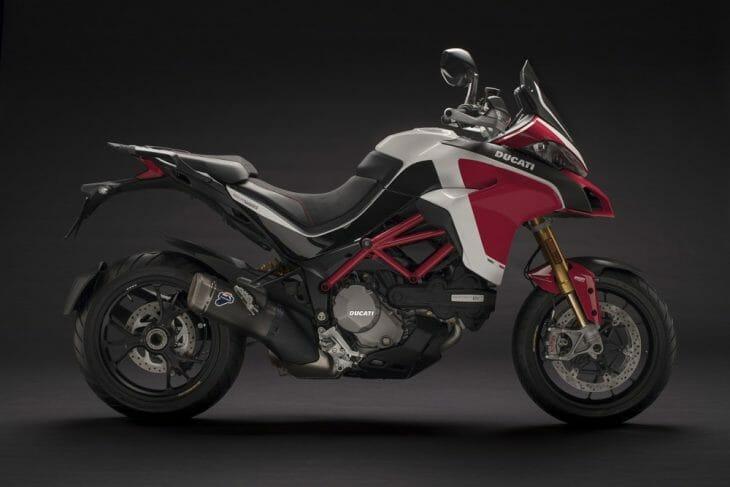 Ducati_Multistrada_1260_Pikes_Peak_showroom