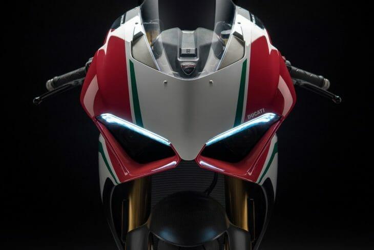 Ducati_Panigale_V4_shape_studio_strip_lights