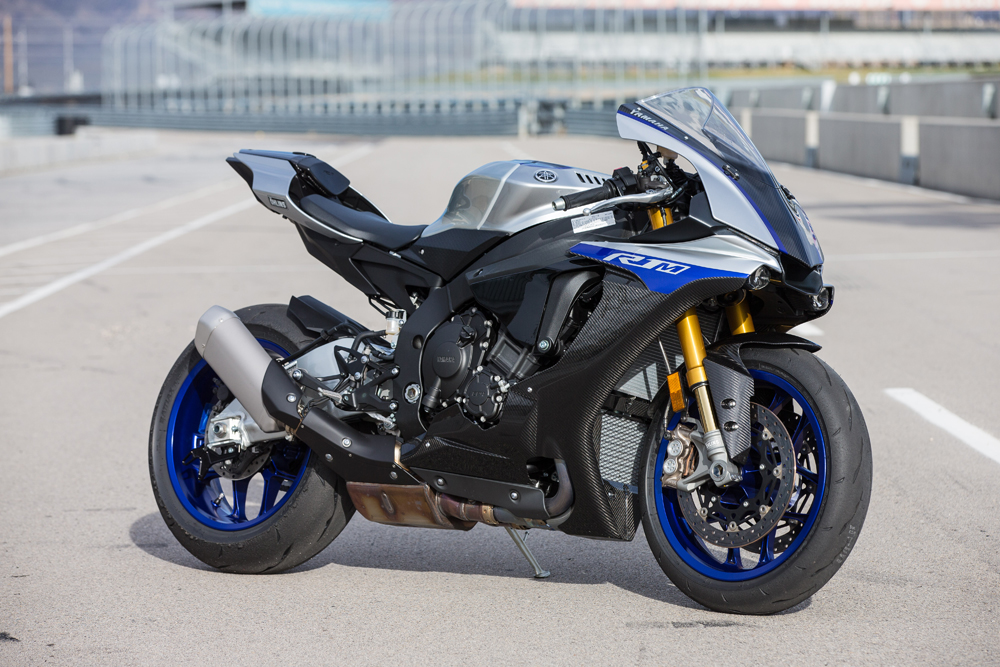 2018 yamaha yzf r1 and yzf r1m full test cycle news. Black Bedroom Furniture Sets. Home Design Ideas