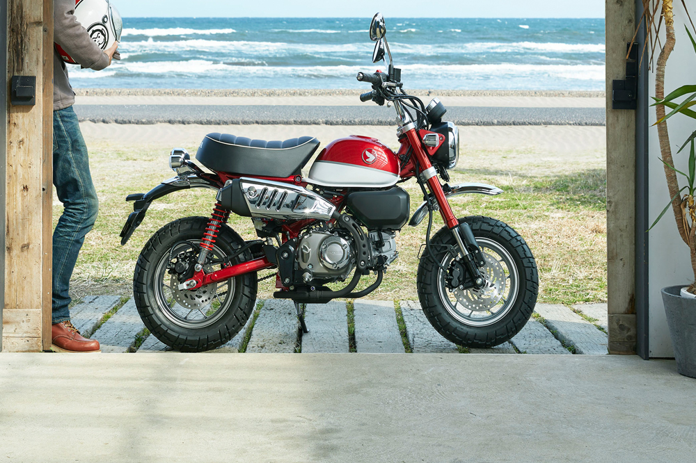 models are both closely The 2019 Honda Monkey is styled like Honda's iconic motorcycles from Honda's past.