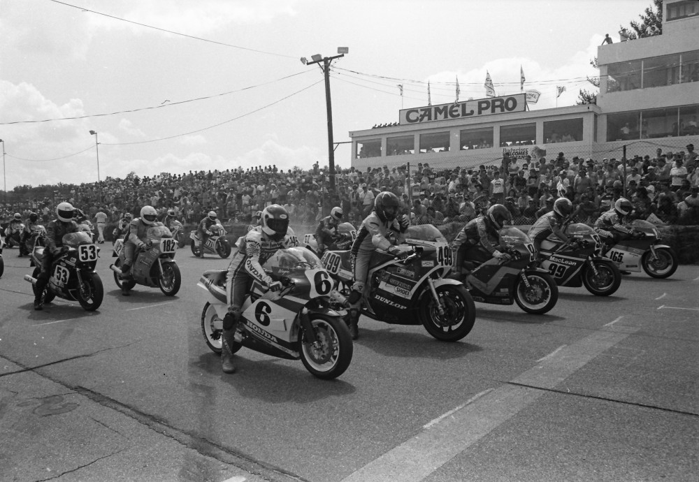 The start of an AMA Superbike race at Bryar Motorsports Park in 1986