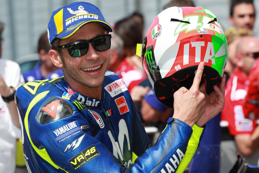 2016 Italian MotoGP: Lorenzo wins Mugello thriller as