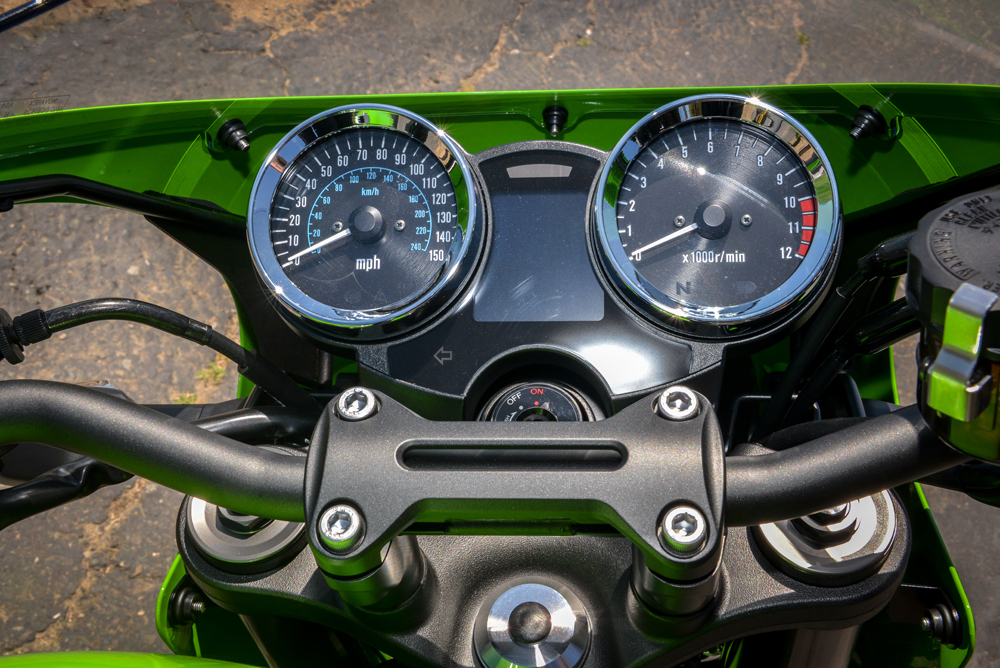 Old-school clocks look fantastic and make you wonder why they aren't on more bikes.