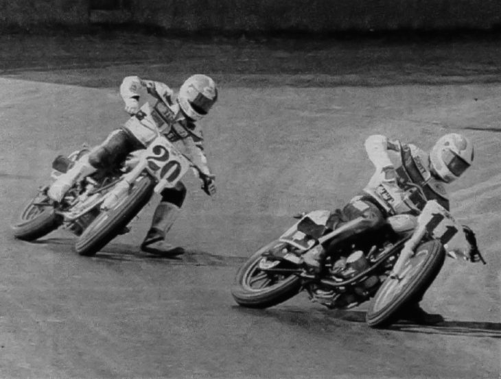 Scott Parker leads Chris Carr at the Middletown Half Mile in 1988