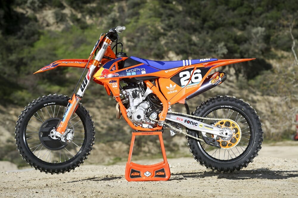 2017 ktm 450 sx f 250 sx f factory editions first test. Black Bedroom Furniture Sets. Home Design Ideas