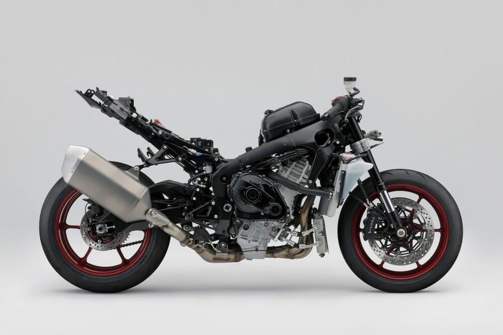 2017 Suzuki GSX-R1000 First Test - Cycle News