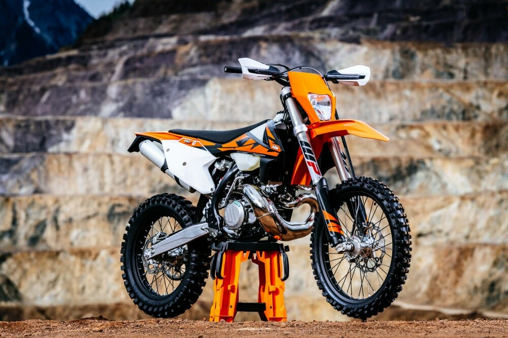 2018 ktm 250 xc w tpi first ride cycle news. Black Bedroom Furniture Sets. Home Design Ideas