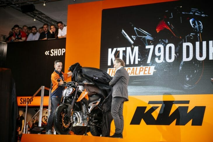 Pol_Espargaro_KTM-790_Duke