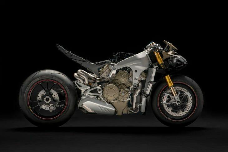 Ducati_Panigale_V4_shape_studio_strip