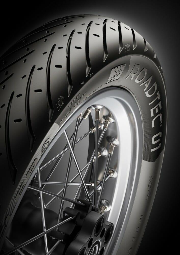 Metzeler RoadTec 01 X-ply tires