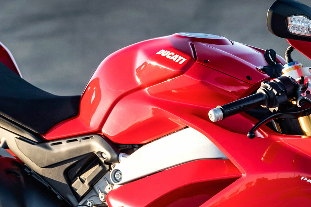 The 2018 Ducati Panigale V4S has a race-style gas tank.