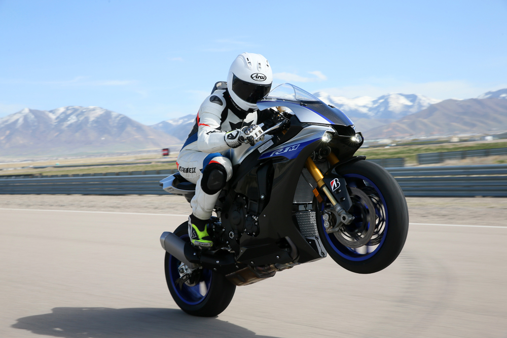 2018 Yamaha Yzf R1 And Yzf R1m Full Test Cycle News