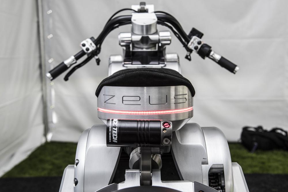 Race Tech a fourni la suspension, qui a été élégamment intégrée au design général.