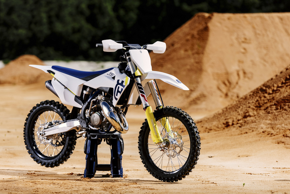 The 2019 Husqvarna TC 125 features all the latest two-stroke technology. EFI, however, isn't there yet.