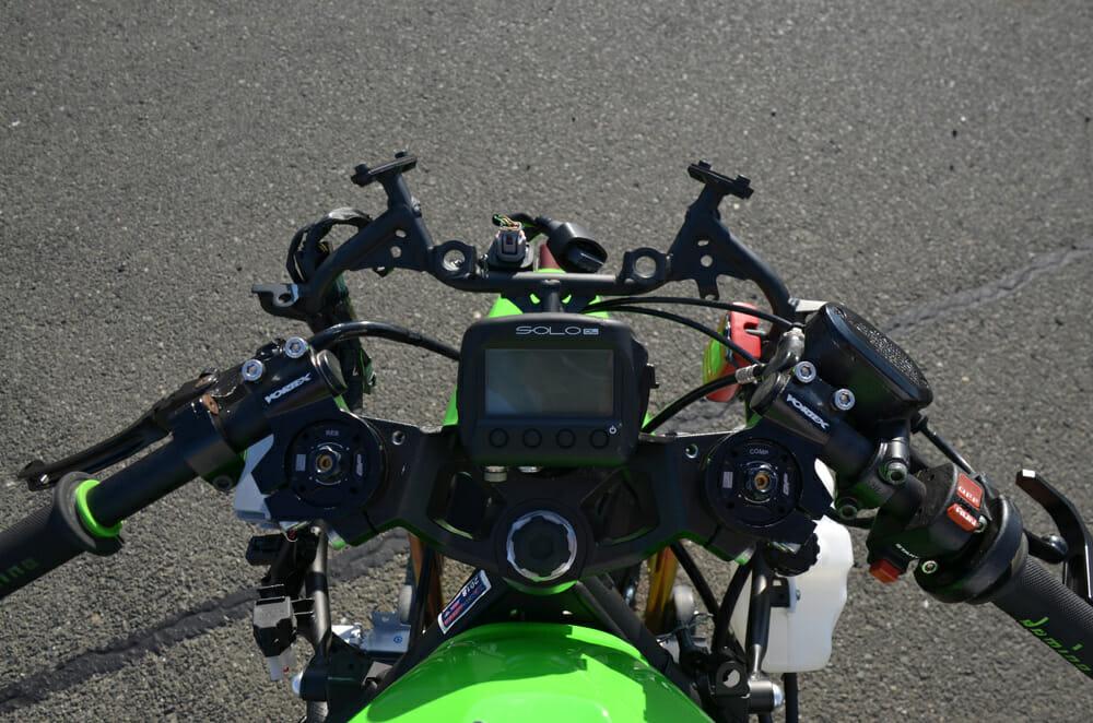 The cockpit of the Expert Club-spec Ninja400r.com racer.