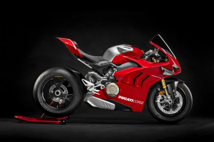 02_2019-Ducati-Panigale-V4-R-First-Look-V4-R
