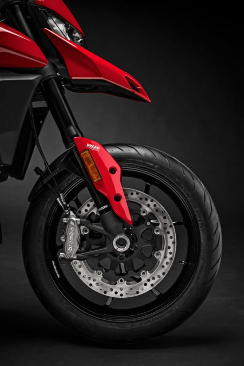 2019 ducati hypermotard 950 and 950 sp first look. Black Bedroom Furniture Sets. Home Design Ideas