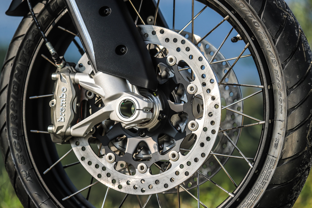 Ducati fitted the Multi Enduro with a set of Brembo 4.32 Monoblock calipers to help slow its speed, which offer good feel and stopping power both on and off-road.