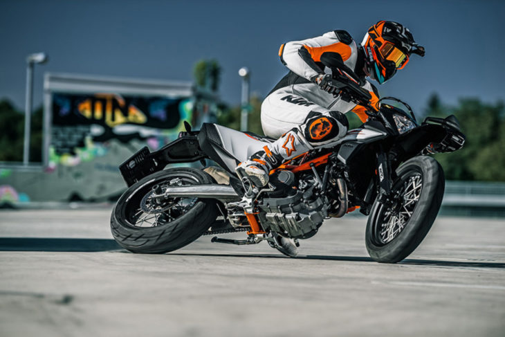 2019 KTM 690 SMC R First Look 8