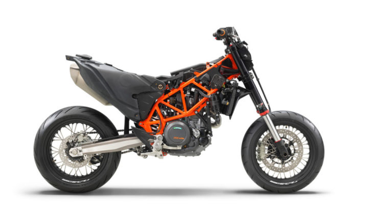 2019 KTM 690 SMC R First Look 2