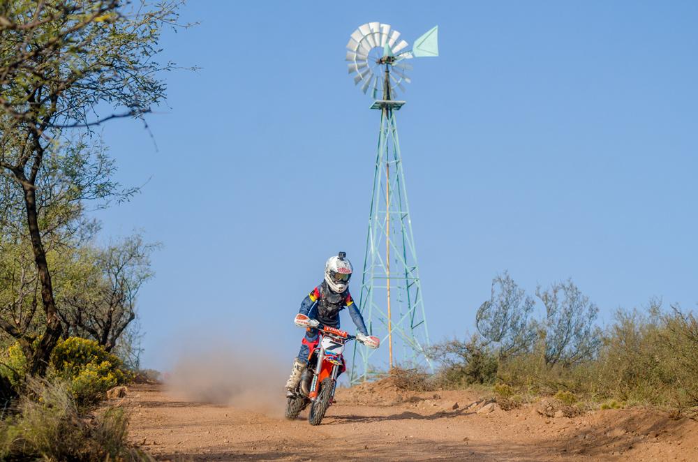 Deegan Fox rides toward a strong first place finish at 3C Ranch