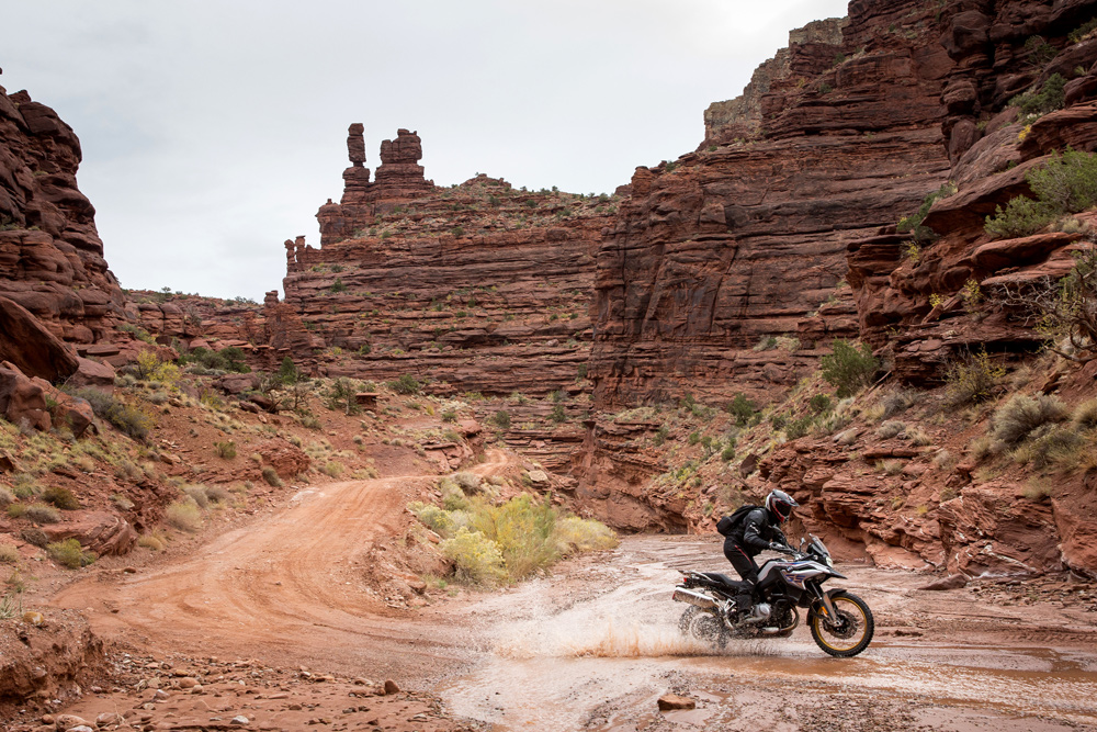 We've already tested the 850 GS in Moab earlier this year. It's safe to say the new bike is an improvement over the near 10-year-old F 800 GS.