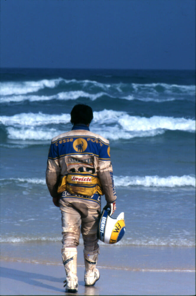 Beppe Gualini On the beach of Dakar, 1986.
