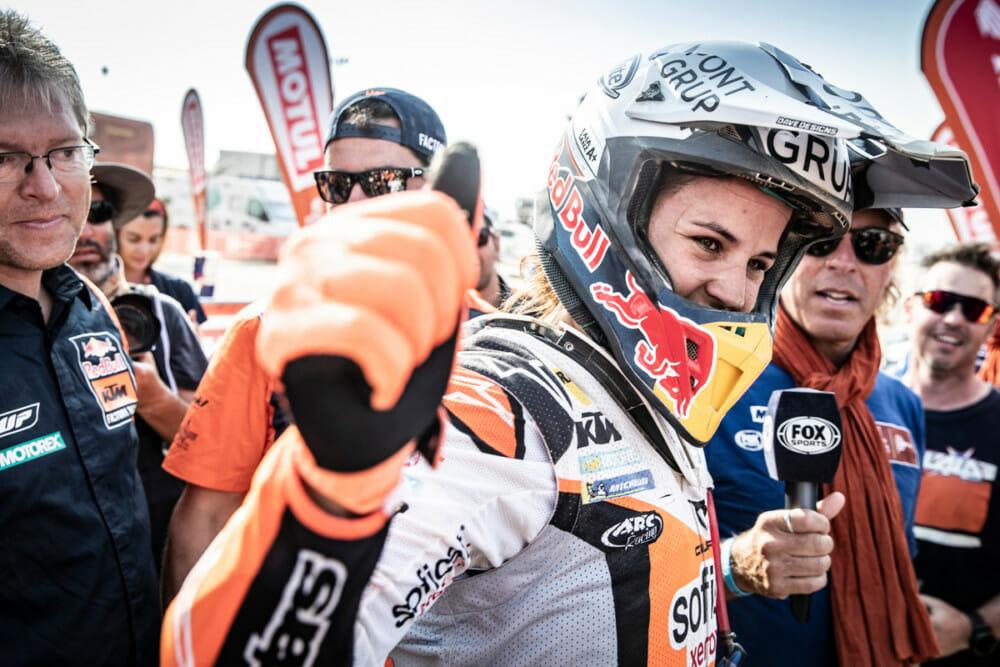 Laia Sanz at 2019 Dakar Rally. Photo by Marcin Kin