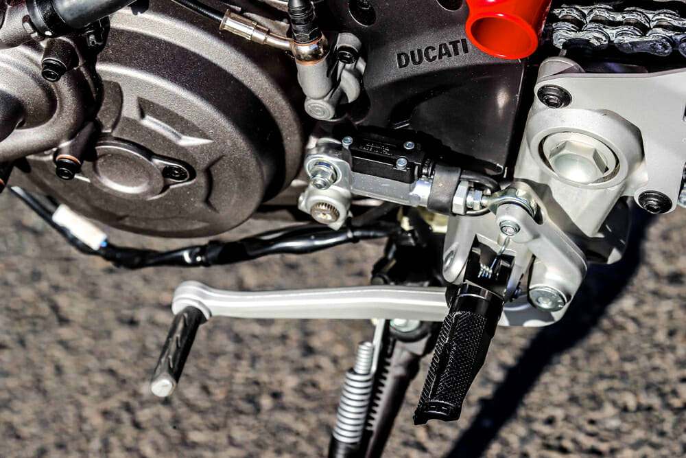 The 2019 Ducati Hypermotard 950 SP has a quick shifter.