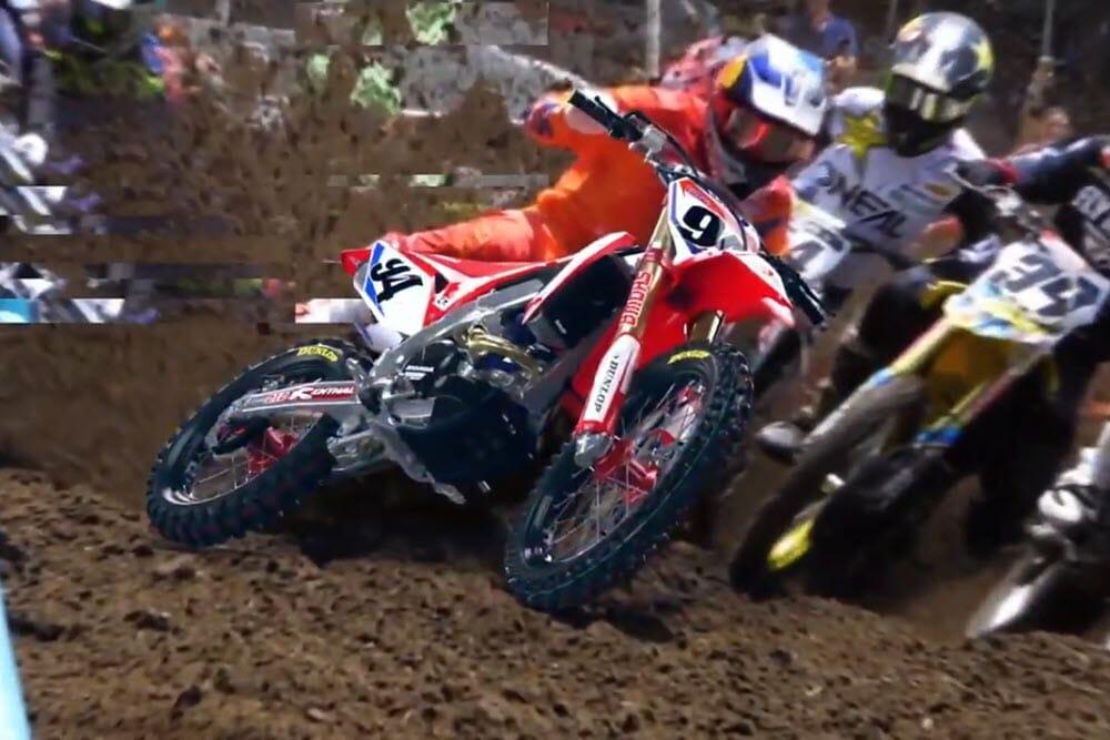 Ken Roczen riding his Honda MX bike for the Twin Air video.