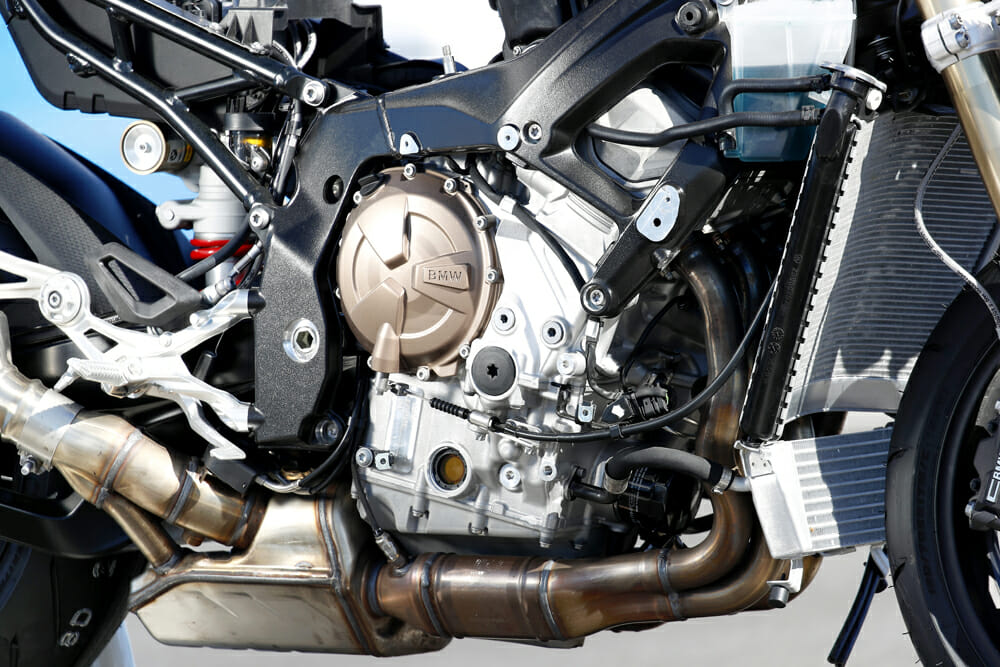 The ultra short-stroke 80 x 49.7mm 999cc engine on the 2019 BMW S 1000 RR produces 207 bhp/152kW at 13,500 rpm in Euro 4 compliant guise. It also weighs nearly nine pounds less than the outgoing model and is 12mm narrower.