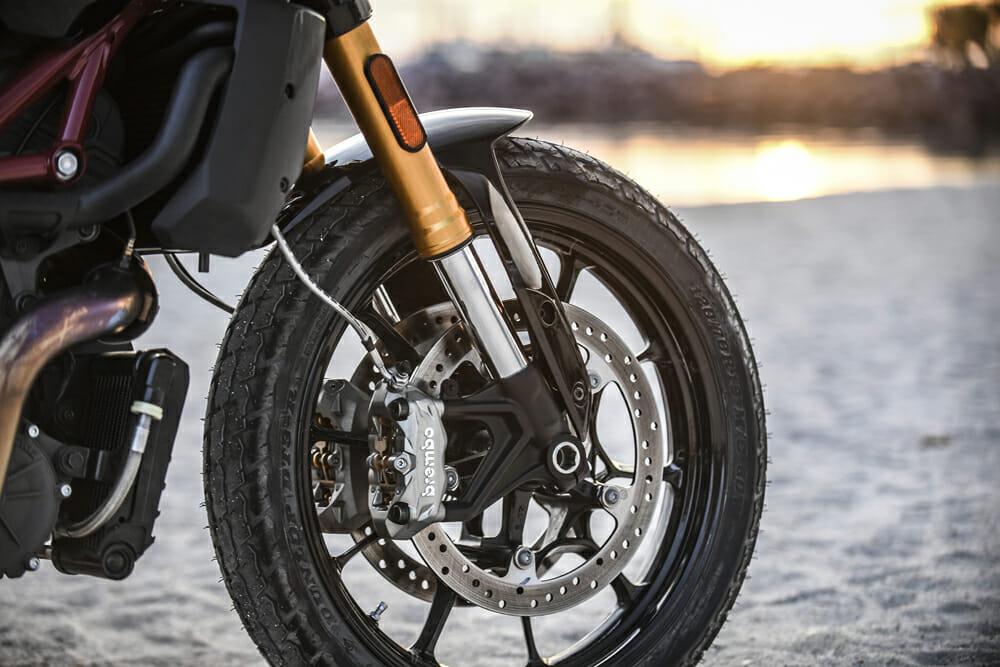 The 2019 Indian FTR 1200 has Brembo Monobloc brakes