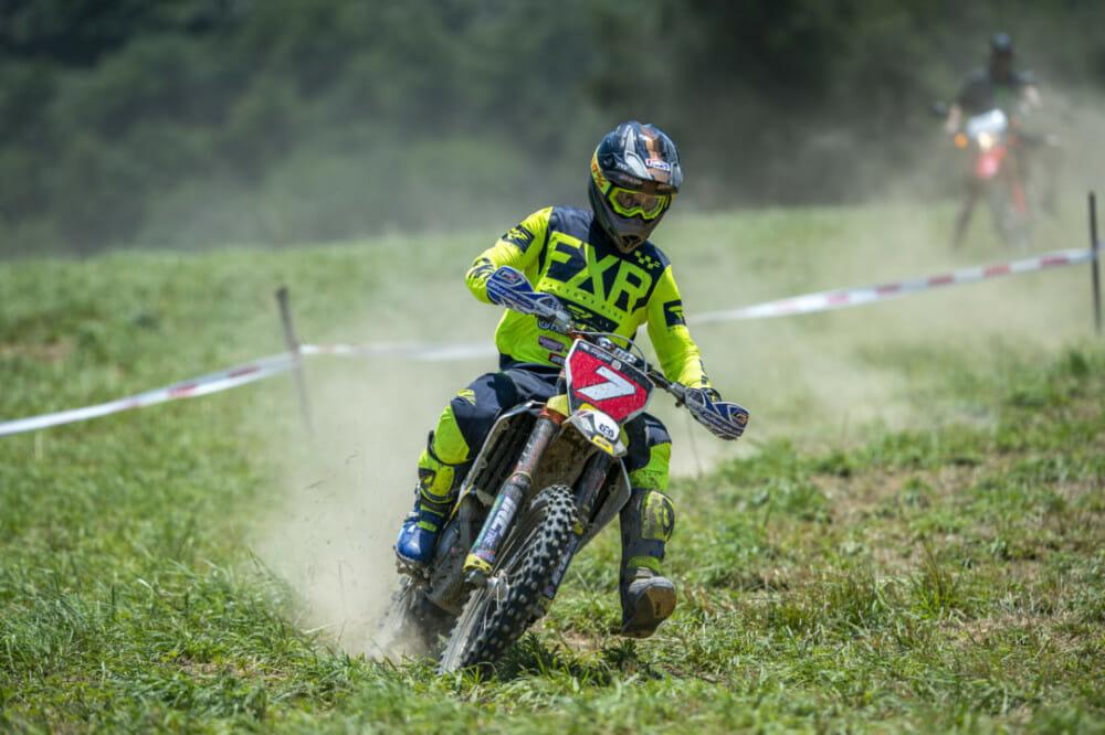 Evan Smith ripping on the cross test. // Photo: Darrin Chapman