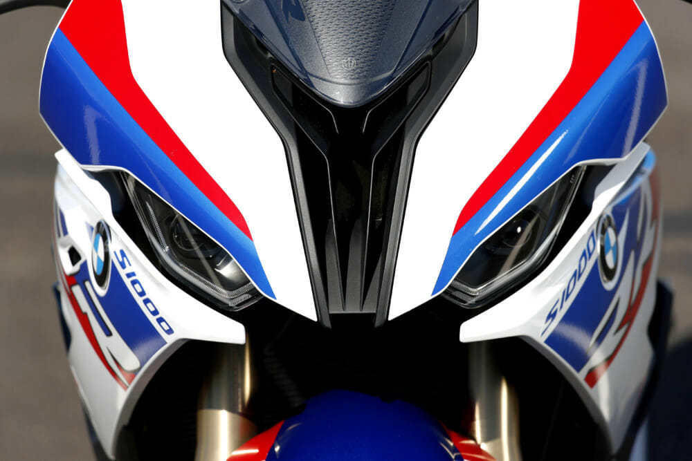 No lopsided headlights anymore on the 2020 BMW S 1000 RR.