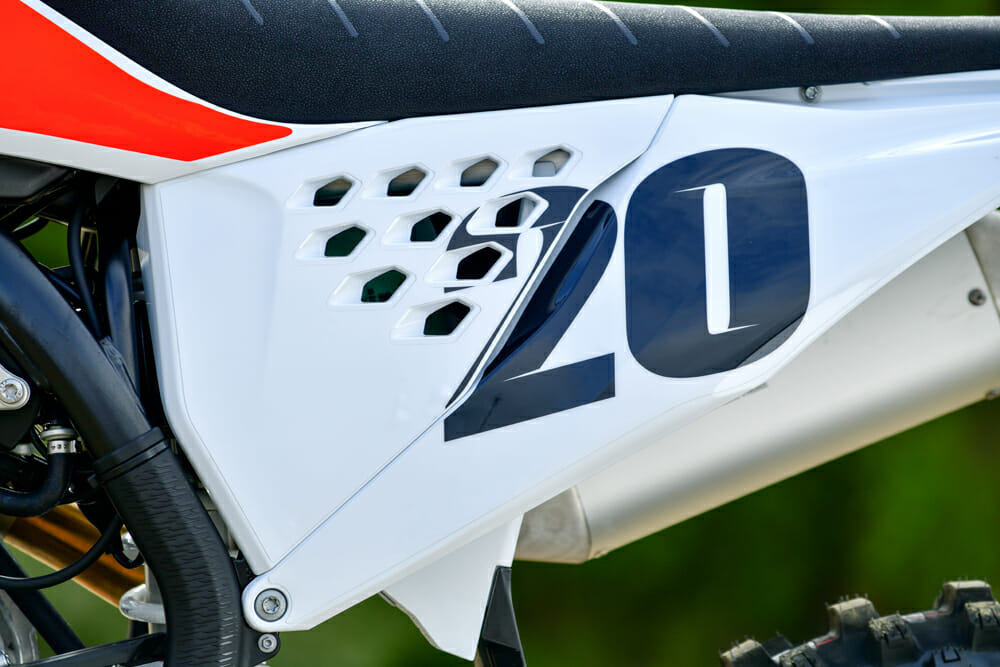 KTM gives up the option to run vented side panels on the 2020 KTM 450 SX-F.
