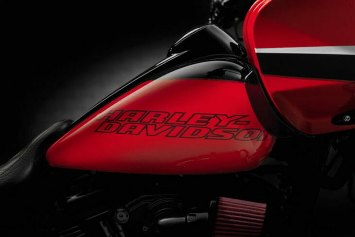 Two brand-new 2020 Harley-Davidson® Limited Paint Sets allow riders to express their personality and stand out from the crowd with their bikes.